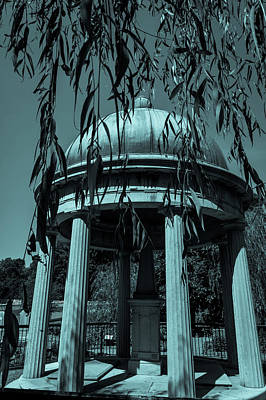 Photograph - Jackson Tomb by James L Bartlett
