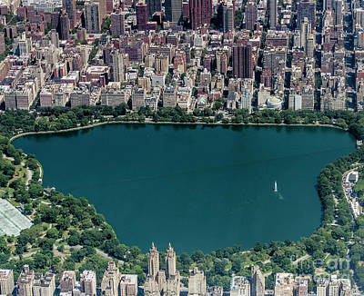 Photograph - Jaqueline Kennedy Onassis Reservoir In Central Park by David Oppenheimer