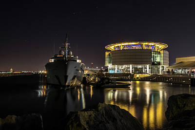 Art Print featuring the photograph Jamaica Bay At Discovery World by Randy Scherkenbach