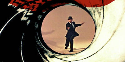 Agents Mixed Media - James Bond, Gun Barrel, Opening, Sean Connery by Thomas Pollart