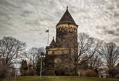 Photograph - James Garfield Monument by Dale Kincaid