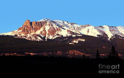 Photograph - Jasper - Mount Tekarra Sunset by Terry Elniski