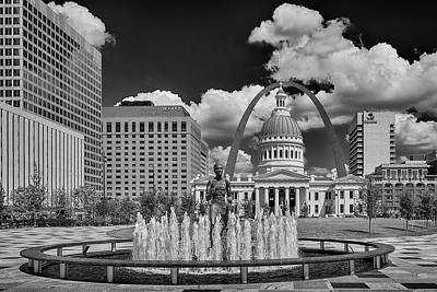 Photograph - Jefferson National Expansion Memorial St Louis Bnw 7r2_dsc9261_06132017 by Greg Kluempers