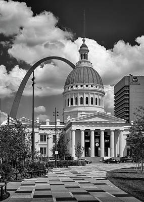 Photograph - Jefferson National Expansion Memorial St Louis Bnw Portrait 7r2_dsc9263_06132017 by Greg Kluempers