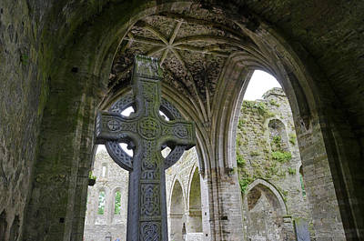 Photograph - Jerpoint Abbey Celtic High Cross And Vaulted Gothic Ceiling County Kilkenny Ireland by Shawn O'Brien