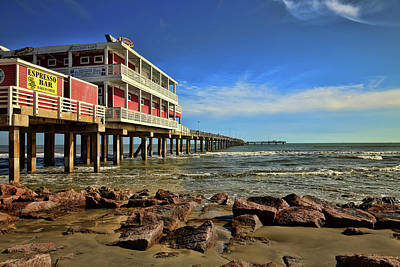 Photograph - Jimmy's On The Pier by Judy Vincent