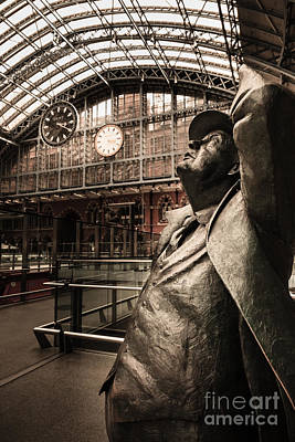 Photograph - John Betjeman And Dent Clockat St Pancras Railway Station by Peter Noyce