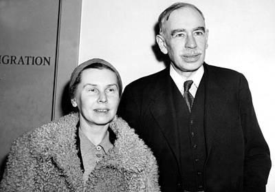 John Maynard Keynes & Wife. The Art Print by Everett