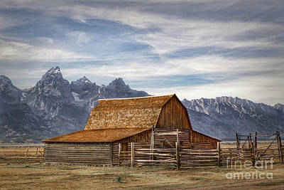 Photograph - John Moulton Barn by Lynn Sprowl