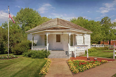 Photograph - John Wayne Birthplace by Susan Rissi Tregoning