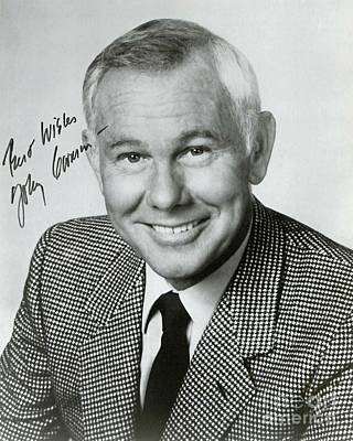 Johnny Carson Wall Art - Photograph - Johnny Carson Autographed Print by Pd