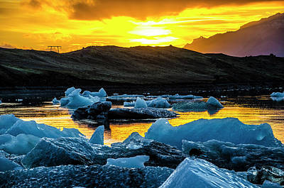 Photograph - Jokulsarlon Sunset 2 by Deborah Smolinske