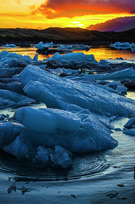 Photograph - Jokulsarlon Sunset 4 by Deborah Smolinske