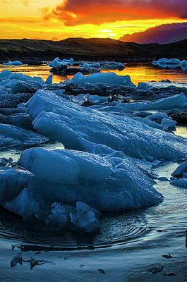 Photograph - Jokulsarlon Sunset 4 by Deborah Smolinske