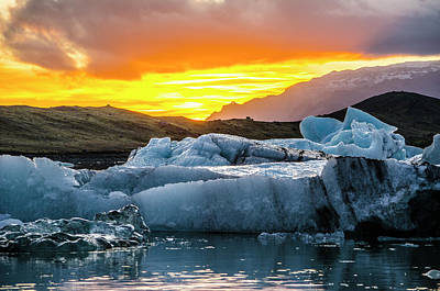 Photograph - Jokulsarlon Sunset 5 by Deborah Smolinske