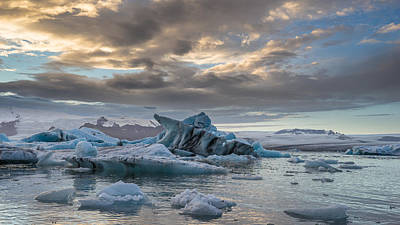 Photograph - Jokulsarlonsunset by James Billings