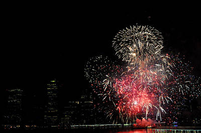 Photograph - July 4 Fireworks New York City by Diane Lent