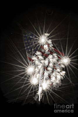 Digital Art - July 4th Fireworks by Georgianne Giese