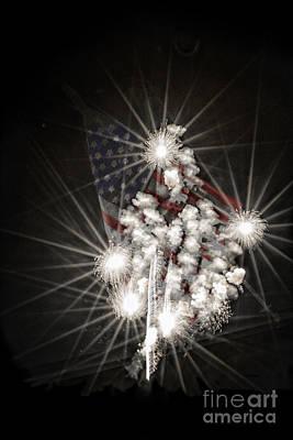 Digital Art - July 4th Fireworks by Georgianne Giese