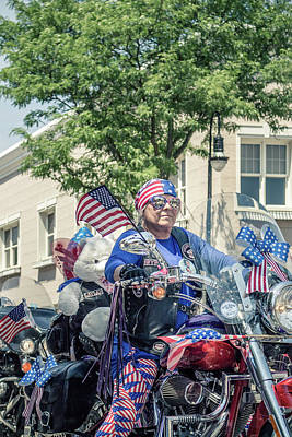 Photograph - July 4th Parade 20 by Jeanette Fellows