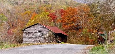 Photograph - Junaluska Barn by Joe Duket
