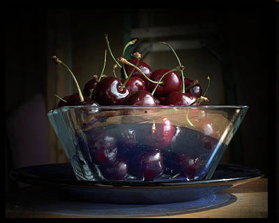 Photograph - Just A Bowl Of Cherries 2 by Susan Capuano