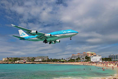Photograph - K L M 747 Landing At St. Maarten by David Gleeson