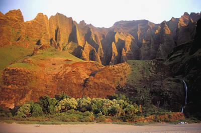 Photograph - Kalalau Mountains by Himani - Printscapes
