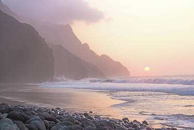 Photograph - Kalalau Sunset by Angie Schutt