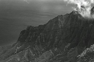Photograph - Kalalau Valley - Kalalau Lookout 01 - Sfx 200 Bw - Kauai, Hawaii by Pamela Critchlow