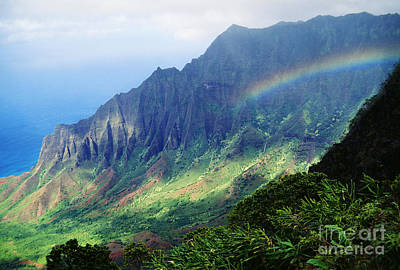 Photograph - Kalalau Valley Viewpoint by Rita Ariyoshi - Printscapes