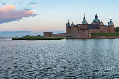 Photograph - Kalmar Castle At Dawn by Antony McAulay
