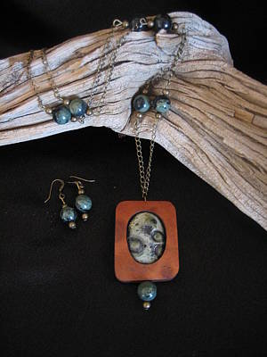 Jewelry - Kambaba Jasper In Gourd Wood by Barbara Prestridge