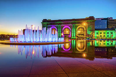 Photograph - Kansas City Union Station Bloch Fountain Lights At Dusk by Gregory Ballos