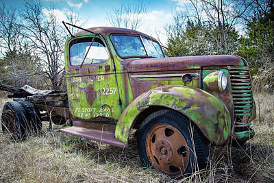 Photograph - Kansas Green Field Truck by Steven Bateson