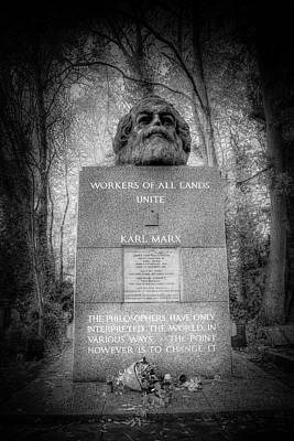 Photograph - Karl Marx Memorial London by David Pyatt