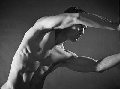 Male Nude Art Photograph - Kata 1 by Thomas Mitchell
