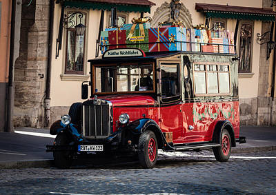 Photograph - Kathe Wohlfahrt Bus Rothenburg by Shirley Radabaugh