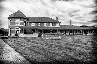 Photograph - Katy Railroad Depot Sedalia Mo Bnw Dsc02093-2015 by Greg Kluempers