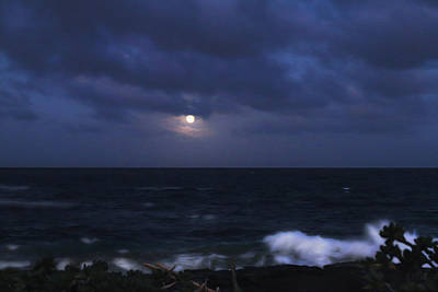 Photograph - Kauai Moon At Poipu by Bonnie Follett