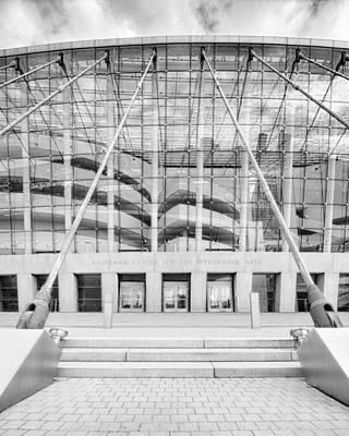 Photograph - Kauffman Center Entrance by Kyle Howard