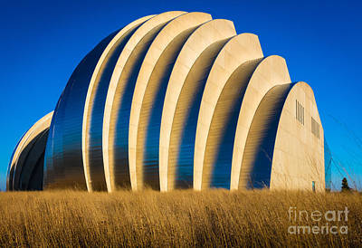 Union Station Photograph - Kauffman Center For The Performing Arts by Inge Johnsson