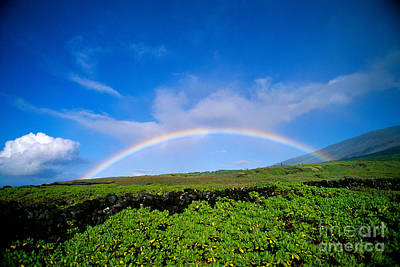 Photograph - Kaupo Rainbow by Ray Mains - Printscapes