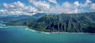 Photograph - Kawaii Na Pali Coast  by Susie Weaver