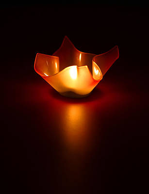Simplistic Photograph - Keep The Light On by Evelina Kremsdorf
