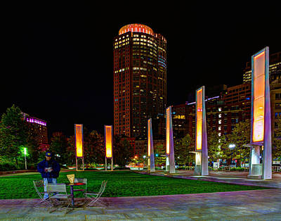 Photograph - Kennedy Greenway 2637 by Jeff Stallard