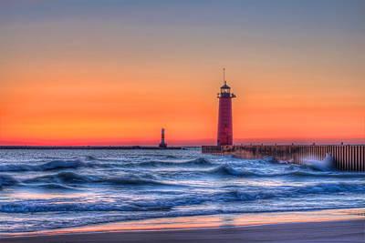 Dalek Photograph - Kenosha Lighthouse Dawn by Dale Kauzlaric