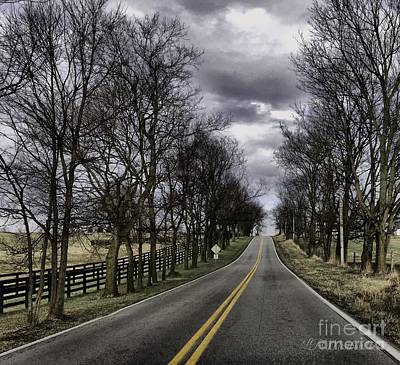 Photograph - Kentucky Backroads by Linda Mesibov