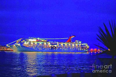 Pyrography - Key West Cruising  by Art Mantia