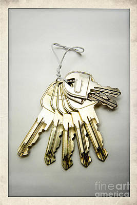Frame House Photograph - Keyring by Bernard Jaubert